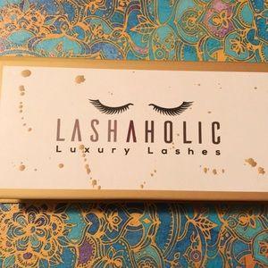 Lashaholic